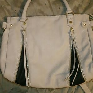 Steve Madden Large two tone Purse w zippers accent